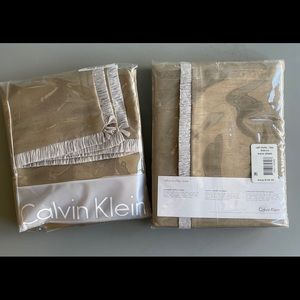 NWT Calvin Klein Raffia Stitches European Shams
